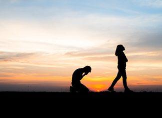 انحلال ازدواج عبارت از انقطاع و از میان رفتن رابطه زناشویی است که علل مختلفی میتواند داشته باشد.